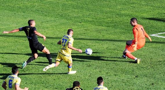 ΑΡΗΣ - Αστέρας Τρίπολης 2-1   Μπόλικο άγχος και 3 βαθμοί!