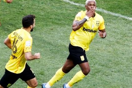 ΑΡΗΣ – Αστέρας Τρίπολης 2-0   Έπαιξε σαν ΑΡΗΣ στο Β ημίχρονο και το «καθάρισε»!