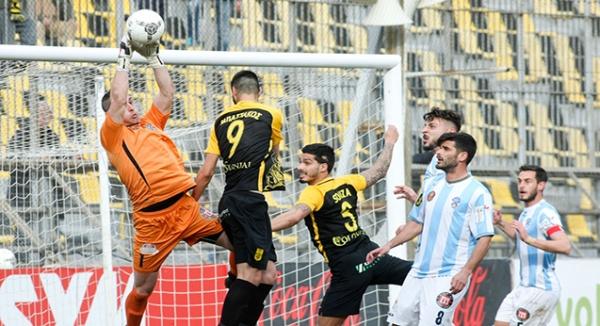 """ΑΡΗΣ - Σπάρτη 1-0   Κέρδισε και το """"κοράκι""""!"""